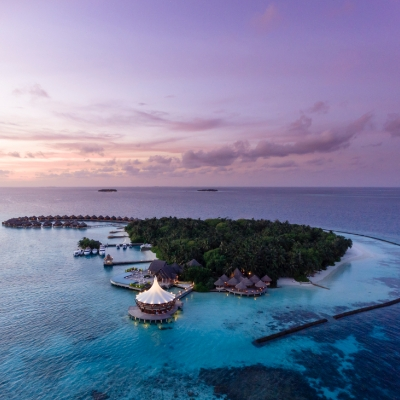 A resort in the Maldives has won the title of World's Most Romantic Resort for the seventh consecutive time