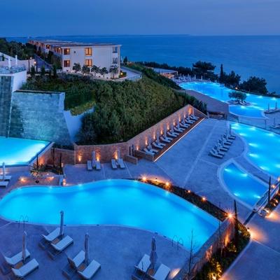 We're dreaming of Ikos Oceania in Halkidiki, Greece, the most amazing new honeymoon destination
