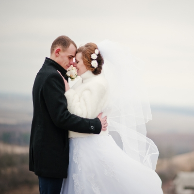 What to consider if you're planning a winter wedding in 2020