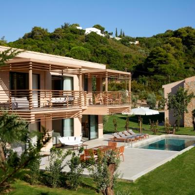 ELIVI SKIATHOS Unveils Private Experiences in its Swan Villa