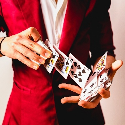Four reasons to book wedding magic with Sussex magician, Stephen James