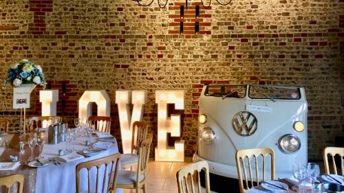 Brian Mole Weddings - Expert DJ and Master of Ceremonies